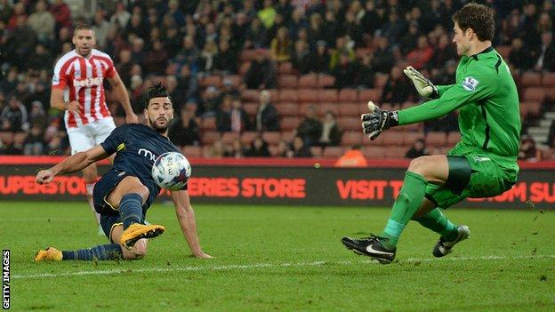 Graziano Pelle scores a second against Stoke