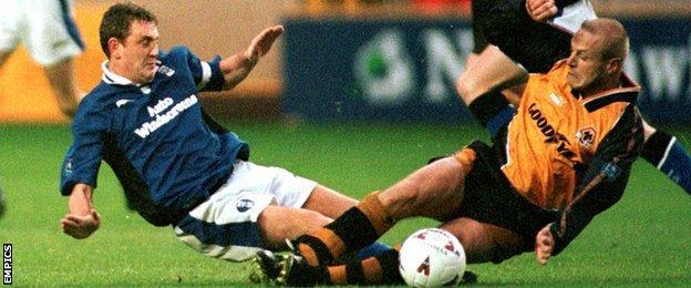 Steve Bruce and Robin Van der Laan, Molineux, November 1996