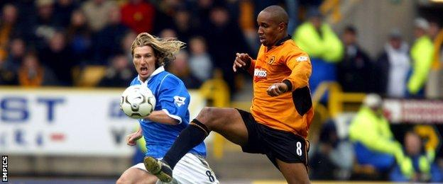 Paul Ince and Robbie Savage, 1-1 draw, Molineux, 2003