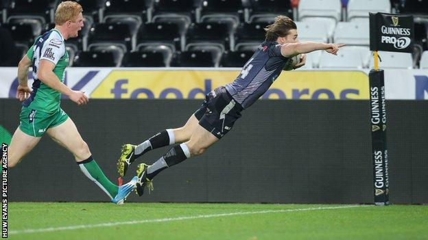 Jeff Hassler scores the Ospreys first try against Connacht