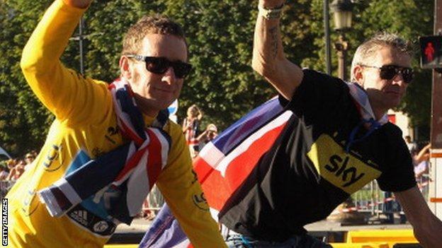 Bradley Wiggins and Sean Yates