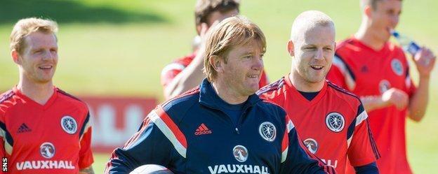 Stuart McCall working with Scotland