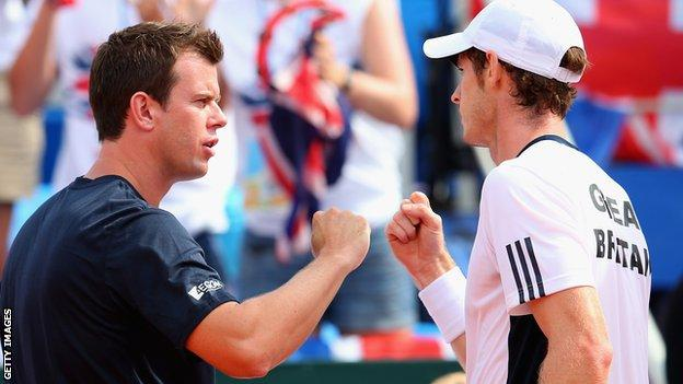 Leon Smith with Andy Murray (right)