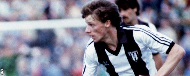 Tommy Wilson played for Dunfermline Athletic during his playing career