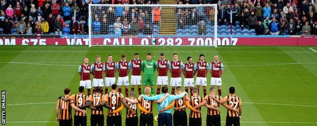 Burnley and Hull players