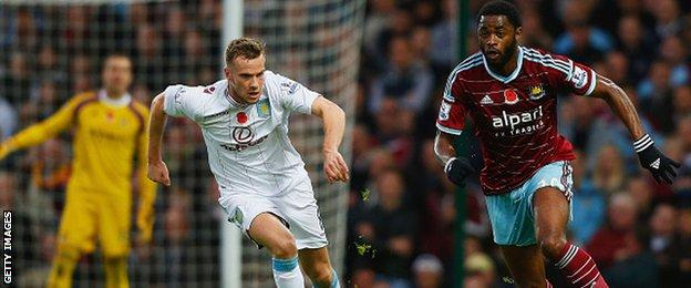 Alex Song and Tom Cleverley