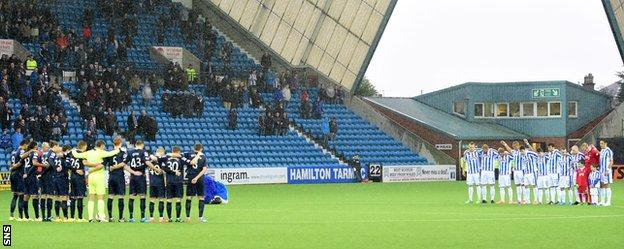 Kilmarnock and Ross County observe a minute's silence ahead of Remembrance Day