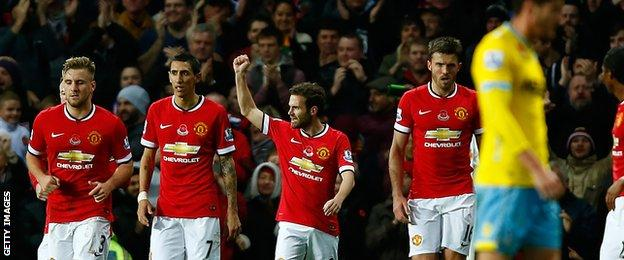 Juan Mata scores as Manchester United beat Crystal Palace