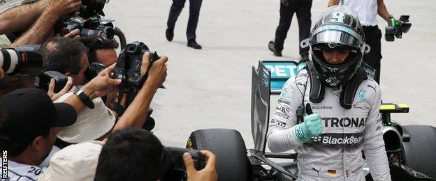 Nico Rosberg acknowledges the crowd