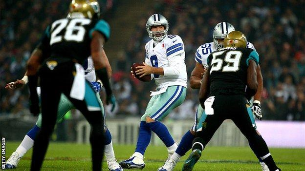 Veteran quarterback Tony Romo stars for Dallas Cowboys
