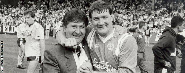 George Morton with Bobby McCulloch after Cumnock won the Scottish Junior Cup in 1989