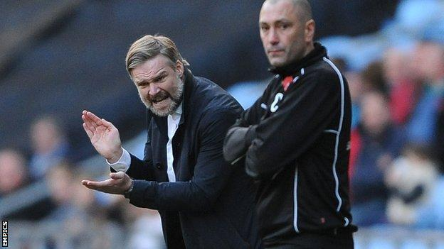Coventry City boss Steven Pressley and his Worcester City counterpart Carl Heeley