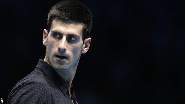 Novak Djokovic takes on Stan Wawrinka