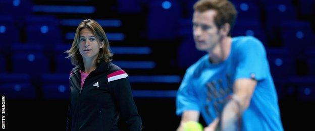 Amelie Mauresmo coaching Andy Murray