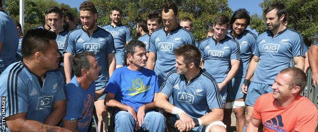 Van der Westhuizen meets the All Blacks