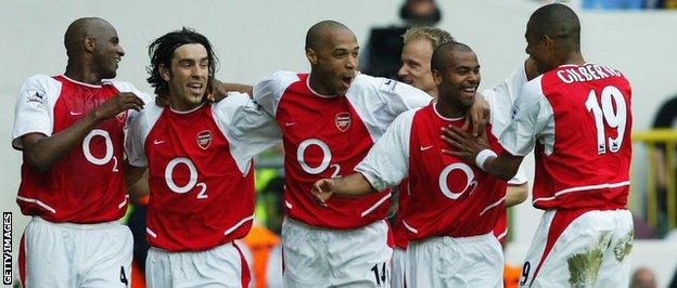Arsenal's 'Invincibles' team in 2004