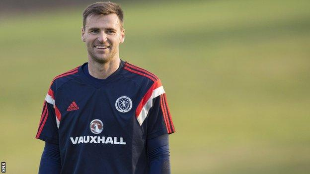 David Marshall is all smiles during Scotland training