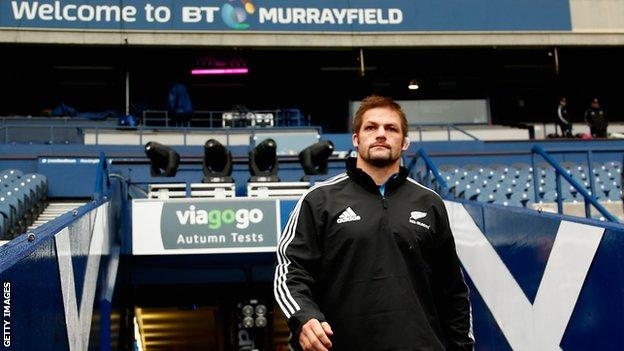 Richie McCaw trains at Murrayfield