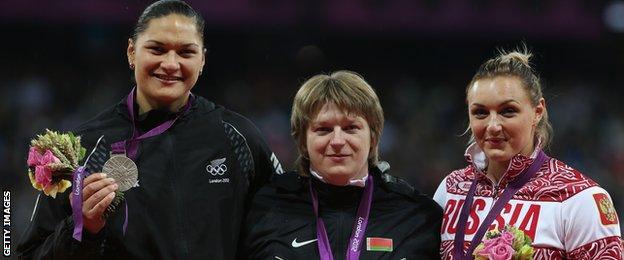 Valerie Adams, Nadzeya Ostapchuk and Yevgeniya Kolodko