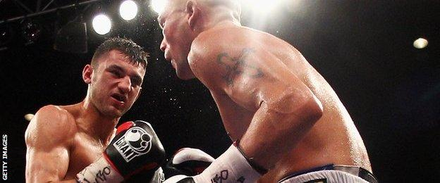Nathan Cleverly beats Tony Bellew in October, 2011