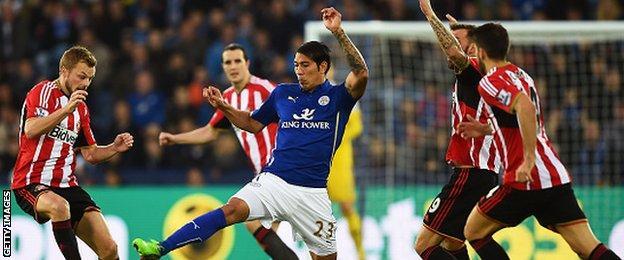 Leonardo Ulloa, Leicester City