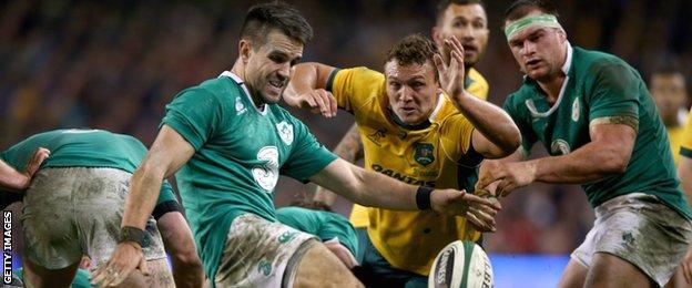 Conor Murray box kicks for Ireland in the win over Australia