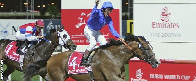 Frankie Dettori rides Electrocutionist to victory in the Dubai World Cup in 2006