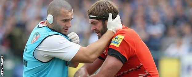 Geoff Parling receives treatment