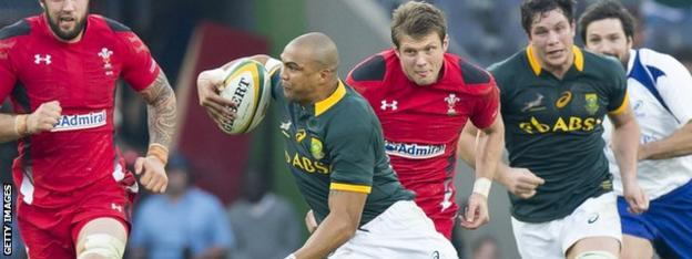 Cornal Hendricks on the attack for South Africa his side's 31-30 win against Wales in June 2014
