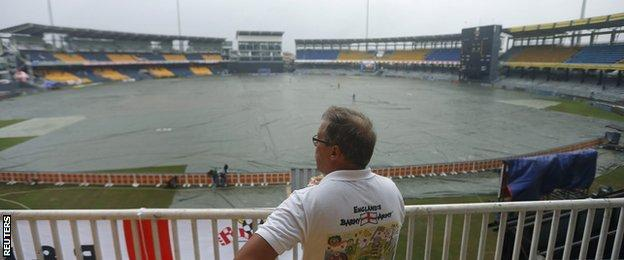 An England fan in Colombo