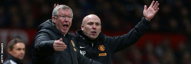 Sir Alex Ferguson ad Mike Phelan