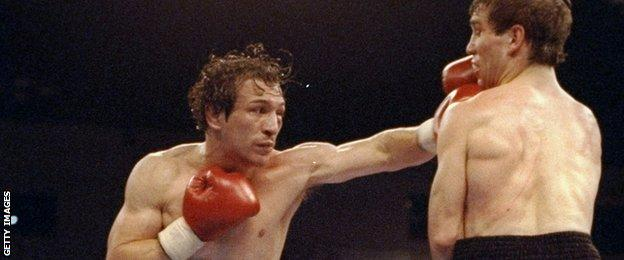 Ray Mancini trades blow in his final fight against Greg Haugen (right) in April 1992