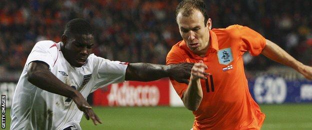 Richards challenges Arjen Robben