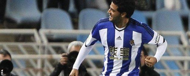 Carlos Vela celebrates