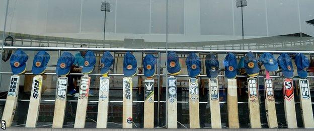 Sri Lanka players bats