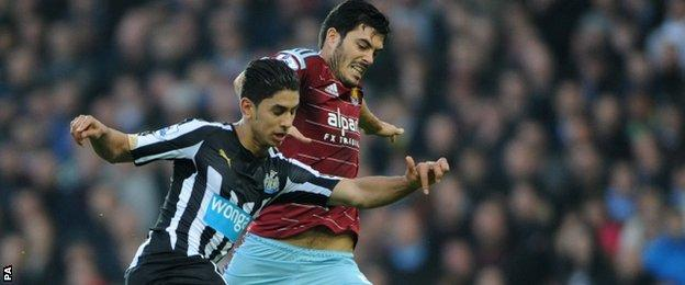 Ayoze Perez and James Tomkins