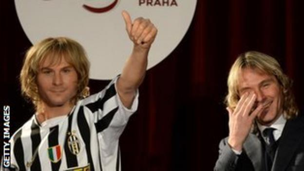 Pavel Nedved with his waxwork