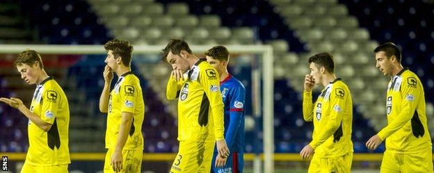 St Mirren and Inverness players leave the field at Caledonian Stadium
