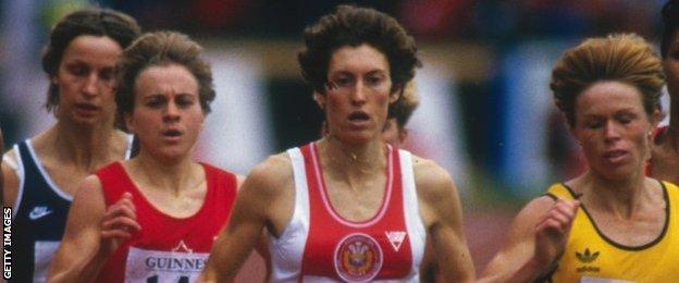 Kirsty Wade (centre) at the 1986 Commonwealth Games