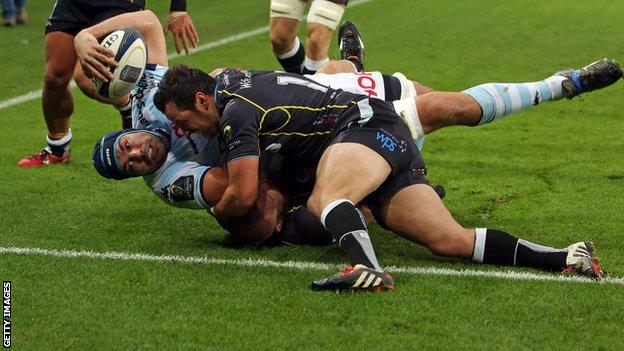 Racing Metro lock Francois van der Merwe forced his way over for the game's first try