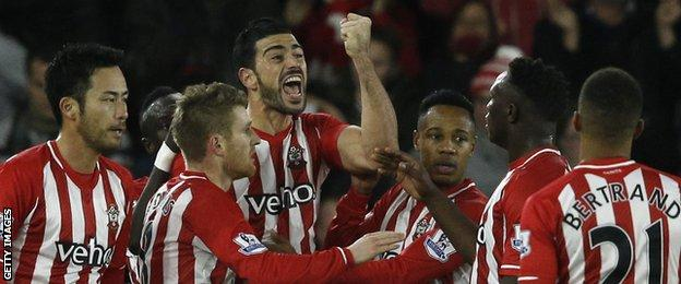 Graziano Pelle celebrates against Manchester United