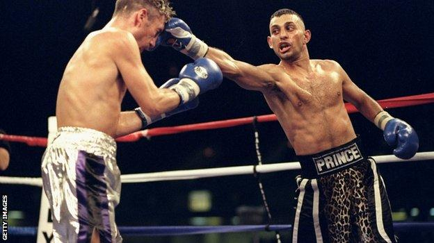 Prince Naseem Hamed (right) liked his animal print shorts