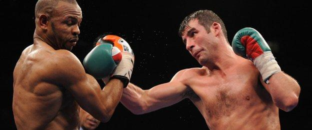 Joe Calzaghe on his way to a points win over Roy Jones junior