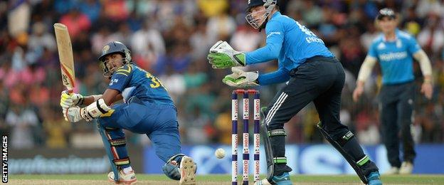Dinesh Chandimal added 80 with Tillakaratne Dilshan and 63 with Thisara Perera