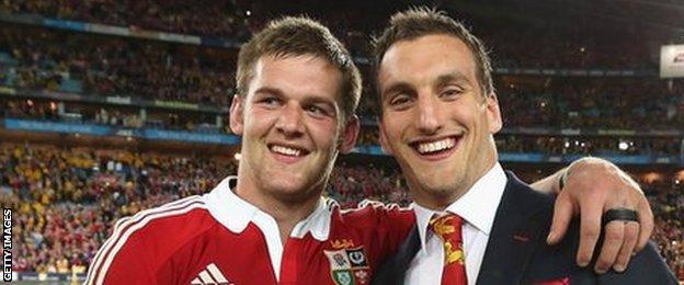 Dan Lydiate (L) and Sam Warburton (R)