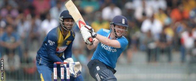 Eoin Morgan bats during the 4th One Day International against Sri Lanka
