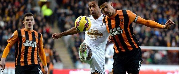Wayne Routledge and Curtis Davies