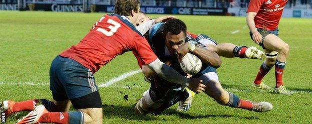 Leone Nakarawa scores a try for Glasgow against Munster