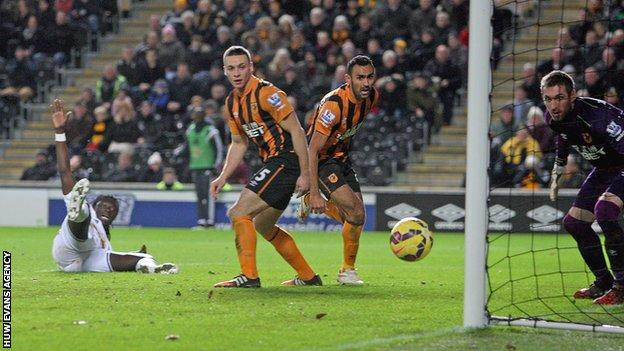 Bafetimbi Gomis started ahead of Wilfried Bony against Hull and came close to doubling Swansea's lead