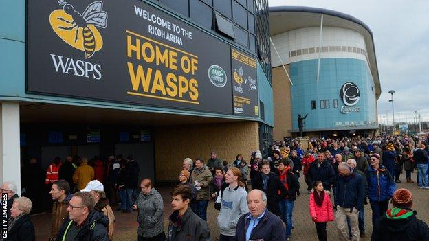 Fans of Wasps outside the Ricoh Arena ahead of kick-off
